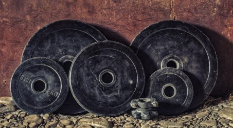 SEVEN REASONS TO WEIGHT TRAIN